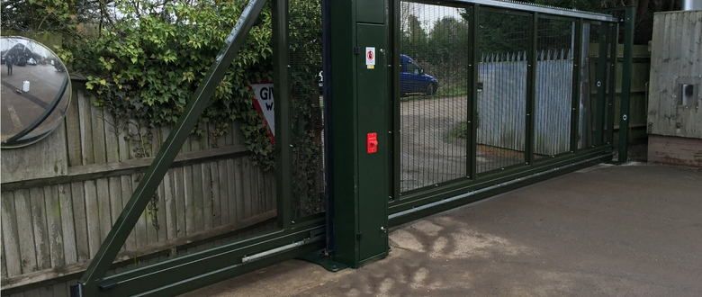 Para- G series sliding gate, Paramesh 358 | Automatic Sliding Gates up to 24m